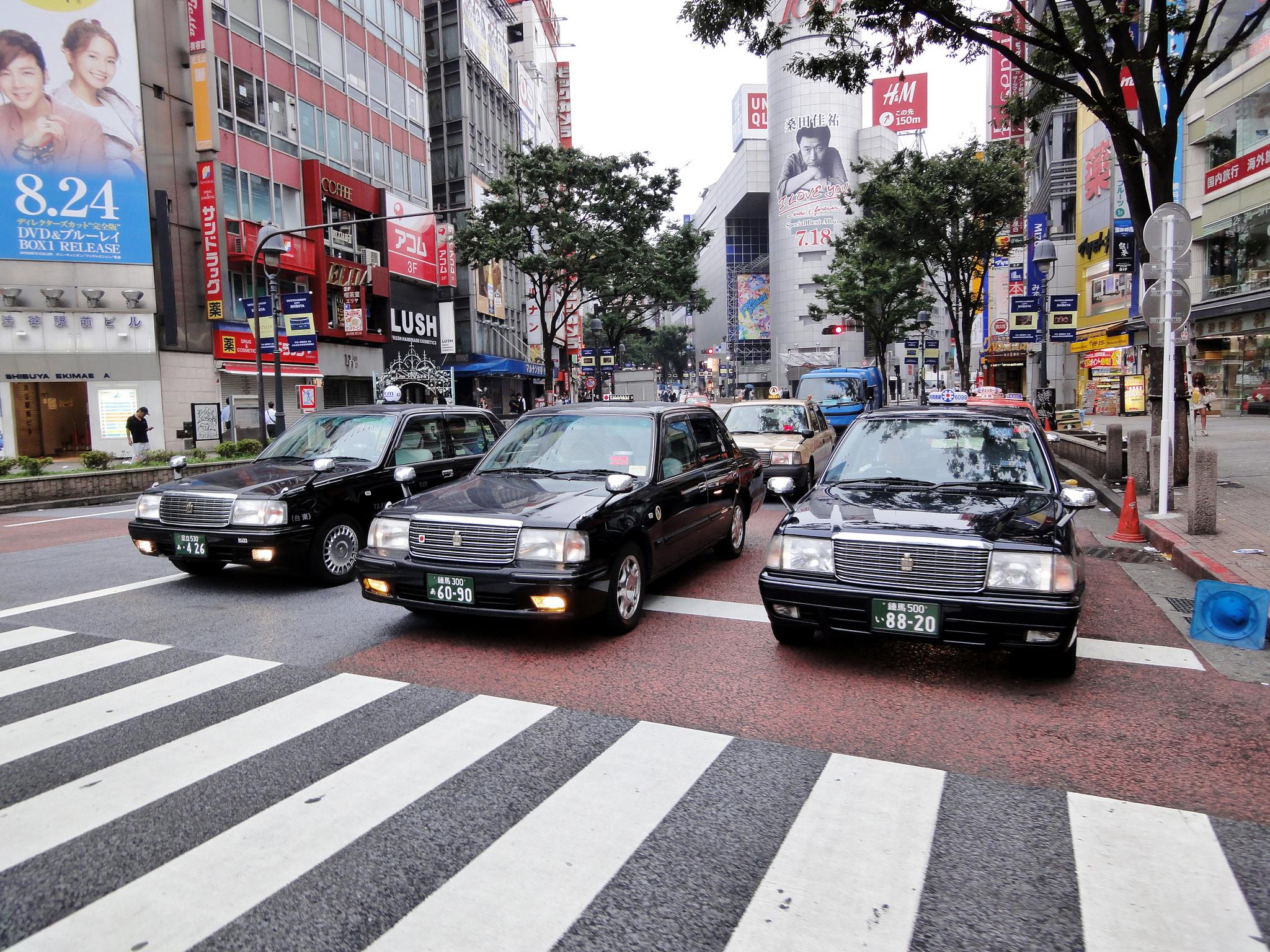 国交省が「タクシー革新プラン2016」を策定